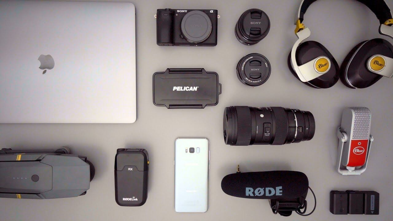 What's in my Tech/Camera Backpack - Note 8 Edition (August 2017)